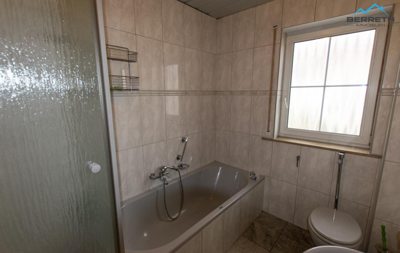 Reihenmittelhaus zu verkaufen in Burladingen Badezimmer