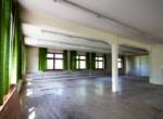Halle zum Umbau zu Wohnungen