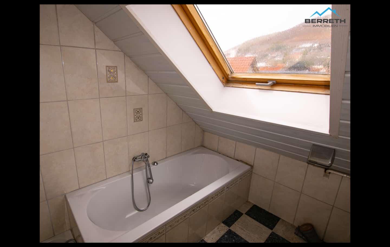 Reihenhaus Burladingen zu verkaufen Badezimmer OG