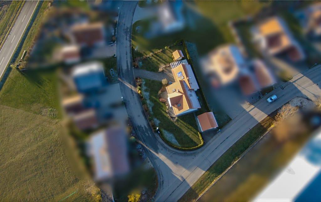 Drohnenaufnahmen Haus in Hettingen