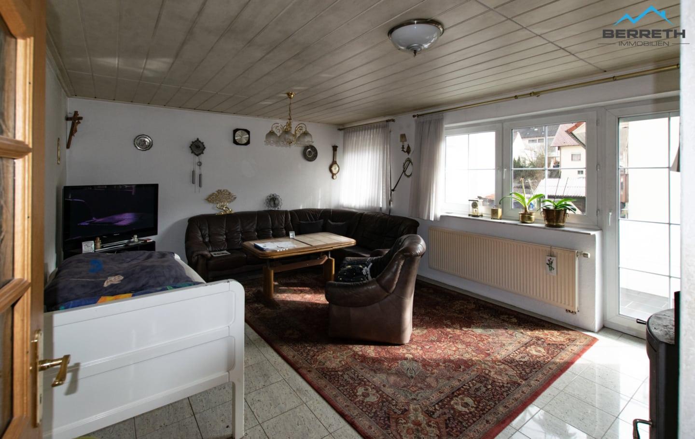 Reihenmittelhaus zu verkaufen in Burladingen Wohnzimmer