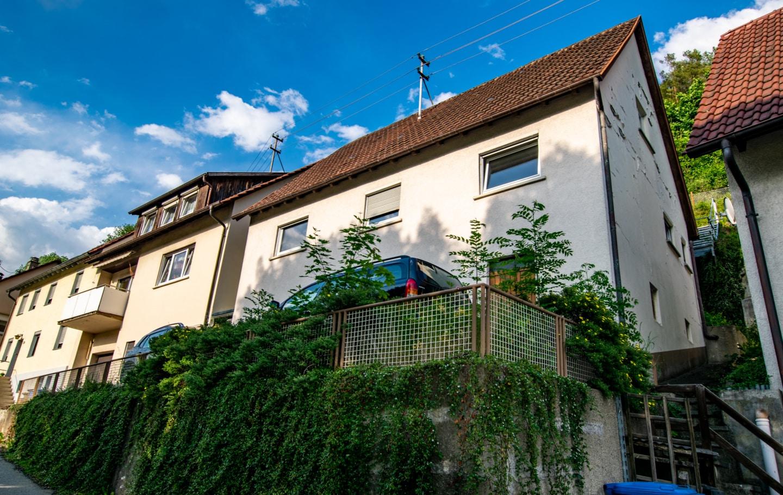 Gepflegtes Einfamilienhaus mit Potential und schöner Aussicht